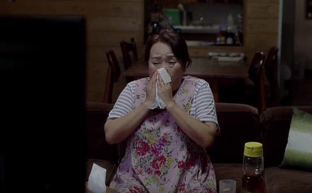 画像: テレビを見てはもらい泣きするし