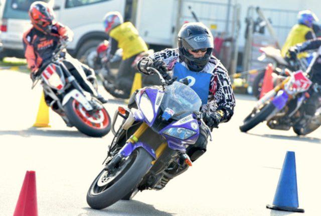 画像: <ジムカーナ>「雨のち晴れ」が演出した超接近戦 オートバイ杯ジムカーナ第4戦