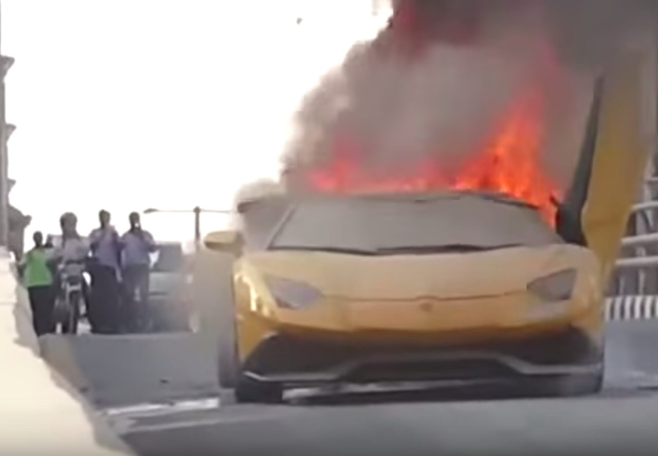 画像: 【衝撃動画!】ランボルギーニ・アヴェンタドールが大炎上