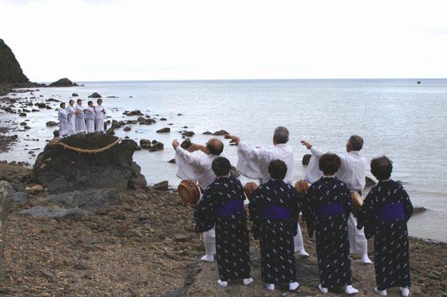 画像: 奥が神平瀬、手前がメラベ(女)平瀬 www.google.co.jp