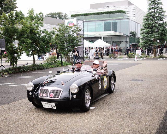 画像: こちらは鈴木亜久里さん!変わらない!車は 1959 MG MGA