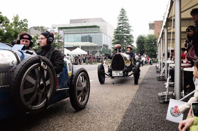 画像: 1924 BUGATTI T35 GRAND PRIX LYON、後ろは1925 BUGATTI T13