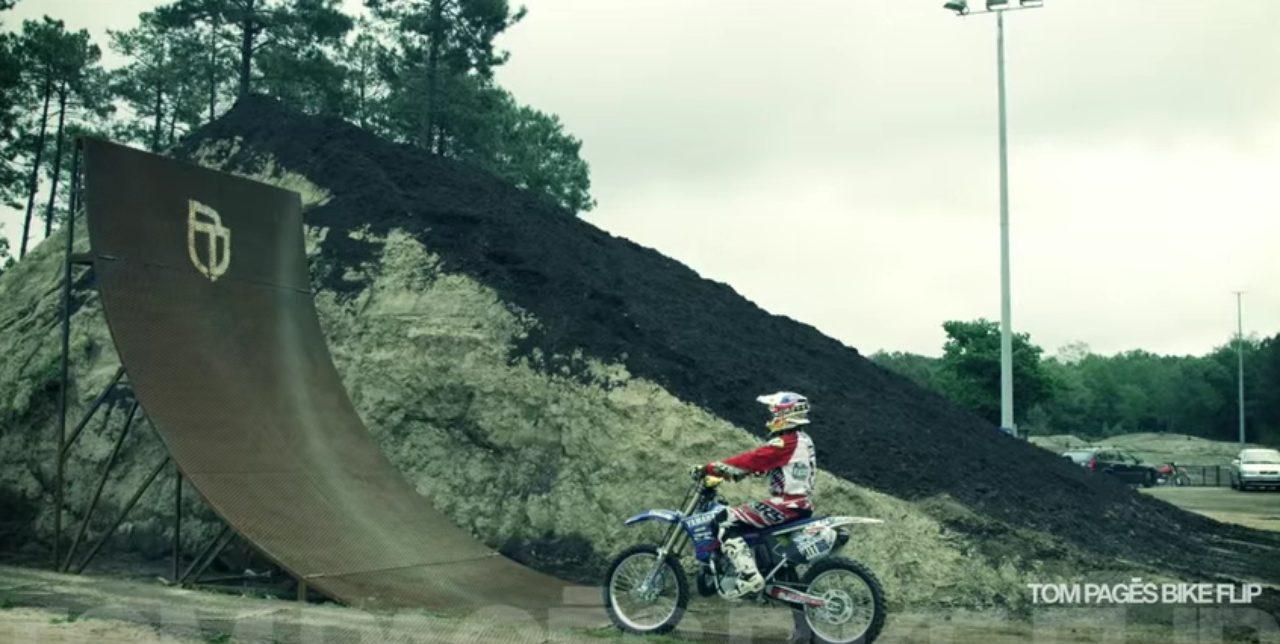 画像1: 空中でバイクを回転させちゃう大技!!