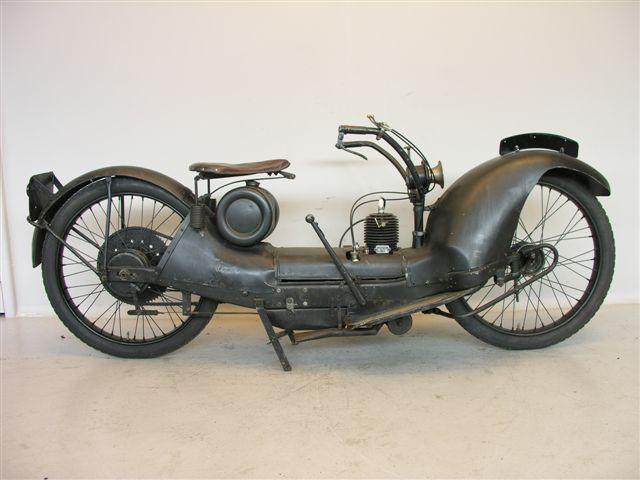 画像: 1925年型のモデルB。なお米国製はNeracar、英国製はNer-ra-carの商標で販売されていました。 www.yesterdays.nl