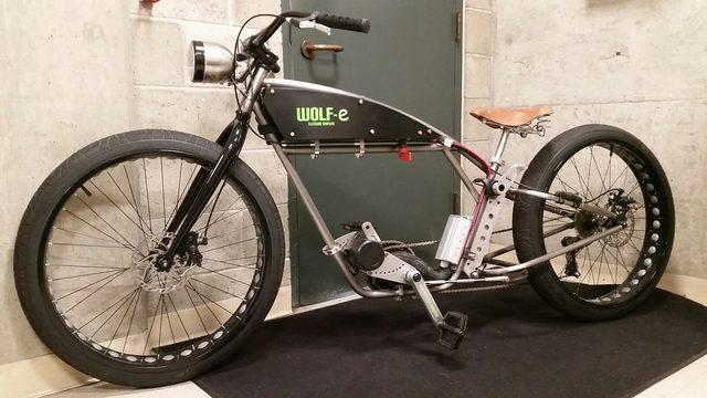 画像: こちらは電動アシスト自転車。なかなかクール。 www.facebook.com