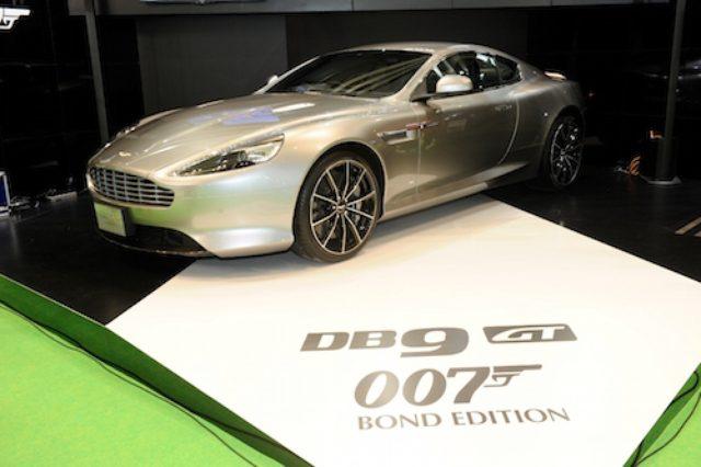画像1: 東京モーターショーにボンドカー登場!アストンマーティン「DB9 GTボンド・エディション」日本初披露!