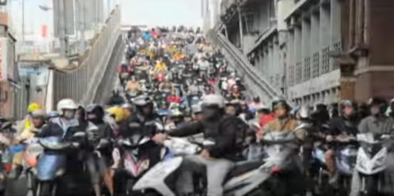 画像: 衝撃!!!!台湾の通勤ラッシュ時の道の様子がカオスすぎる!!!