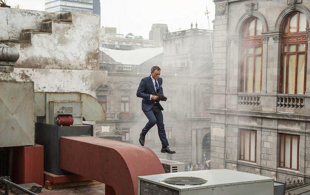 画像: スーツこそ男の戦闘服。その象徴こそがジェームズ・ボンドだ。 007spectre.jp