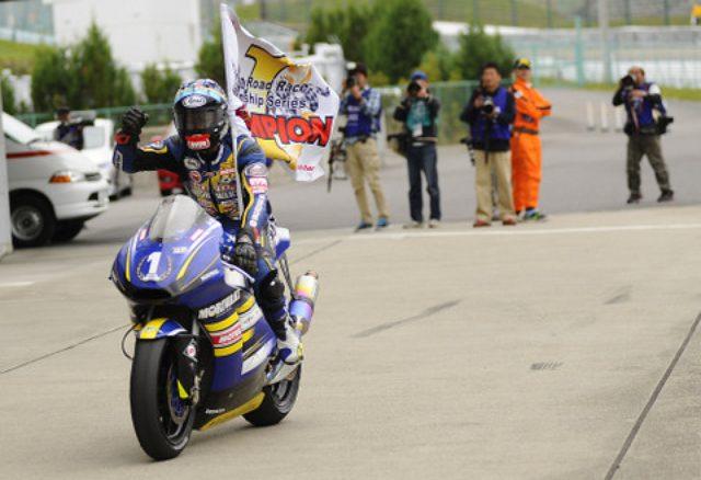 画像: <全日本ロードレース>注目のJ-GP2は高橋に軍配!