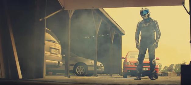 画像6: 愛車は「スズキ GSX-R1000(K9)」です。ヘルメット男子の悲劇の動画!!