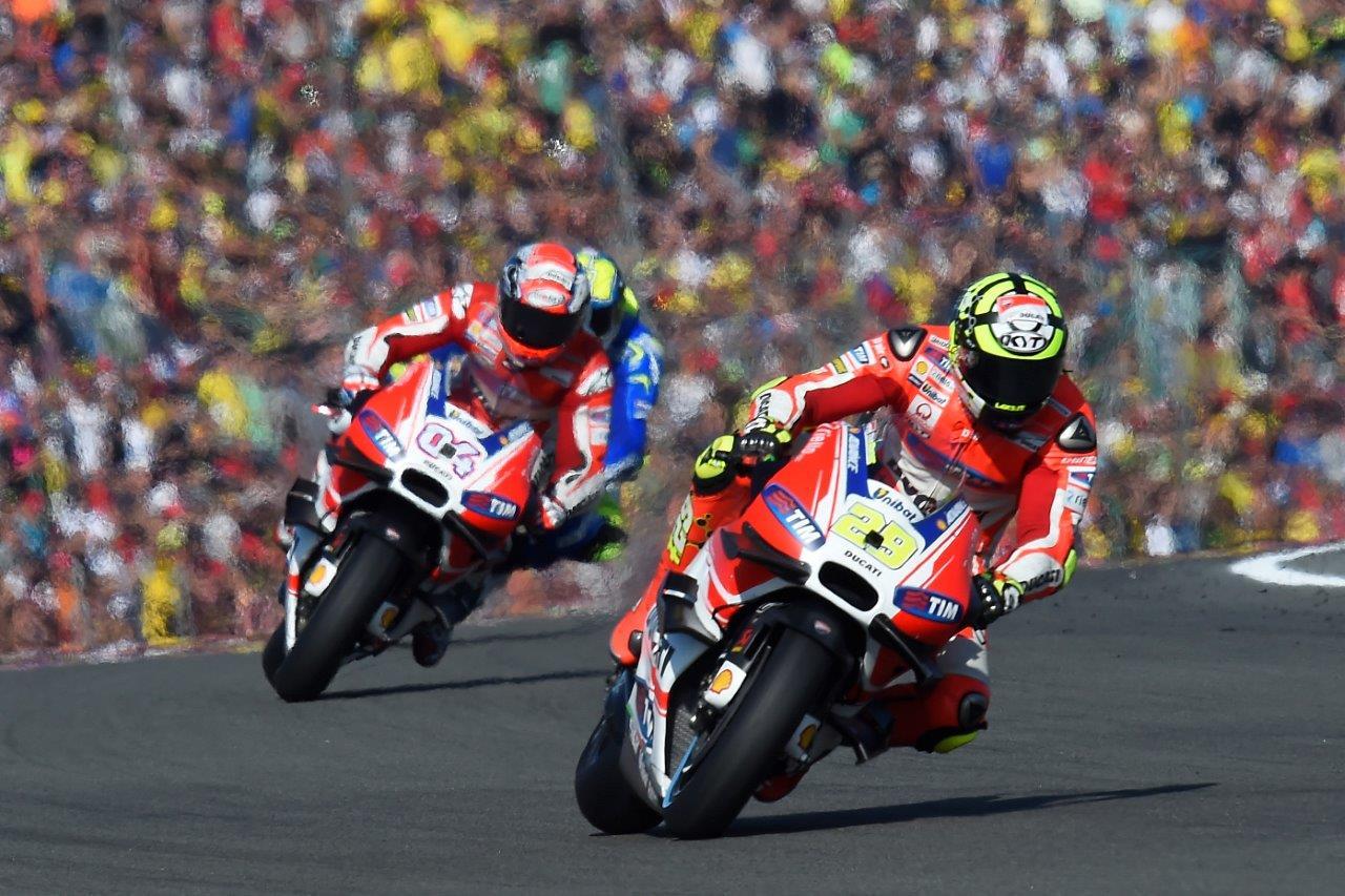 画像: バレンシアGPでドヴィツィオーゾが7位、イアンノーネはクラッシュ、ピッロは12位完走