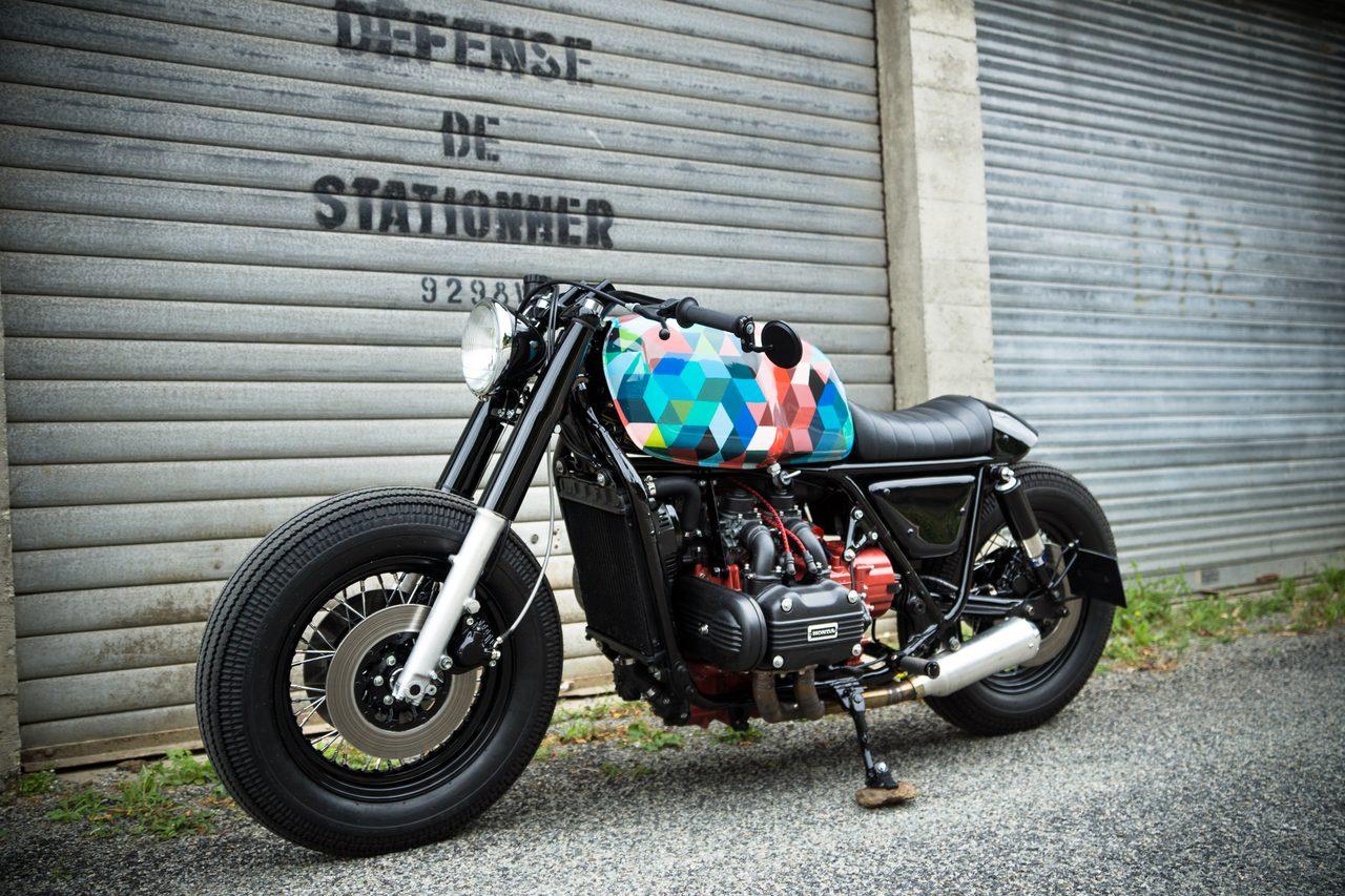 画像: Sur Les Chapeaux De Roues - Garage moto spテゥcialiste cafe racer en Bretagne