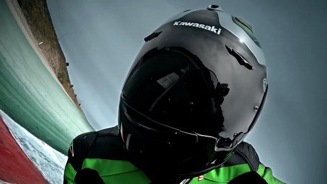 画像2: 過激注意!この映像をみた直後にはバイクに乗らない方がいいかも「2016 Kawasaki ZX-10R」