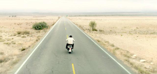 画像: そして彼は自由への旅に出る。 www.youtube.com