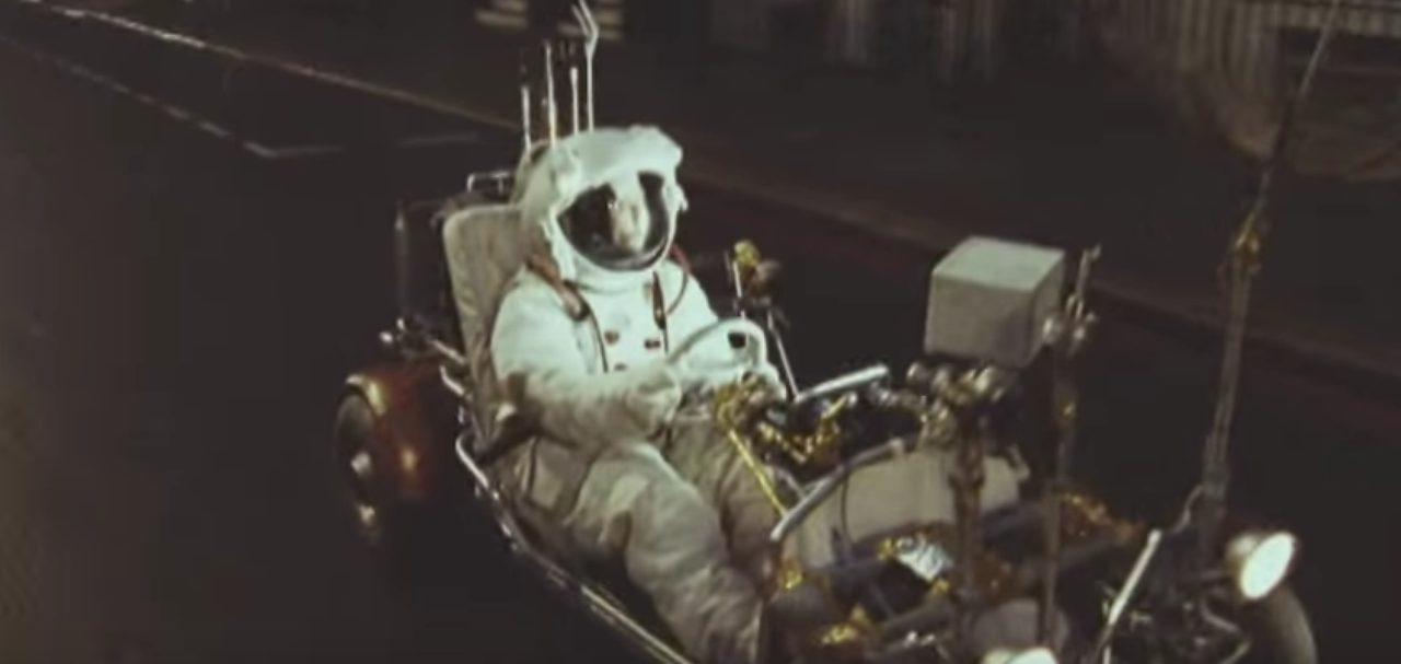 画像1: 大都会イギリスのロンドン市内を月面探査車で駆け回るPVが超個性的!!