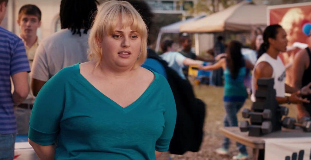 画像: ファットエイミー。自分で太ったエイミーと名乗る彼女に太めであることに引け目はない pitch-perfect.jp