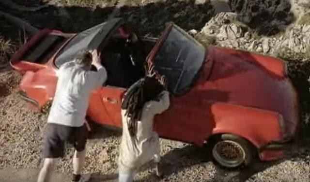 画像: 【海外の面白CM】そういうつもりじゃなかったのに…勘違いから起こってしまった赤いポルシェの悲劇。 - LAWRENCE(ロレンス) - Motorcycle x Cars + α = Your Life.