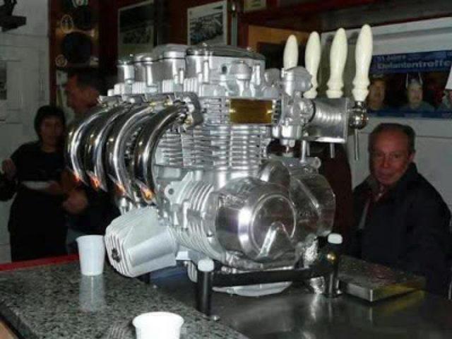 画像: ホンダCB4気筒のビアタップ。キャブレター側からビールが出ます。 1.bp.blogspot.com