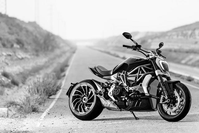 画像: 【ドゥカティ】XディアベルがEICMA2015「Best-looking Bike」に