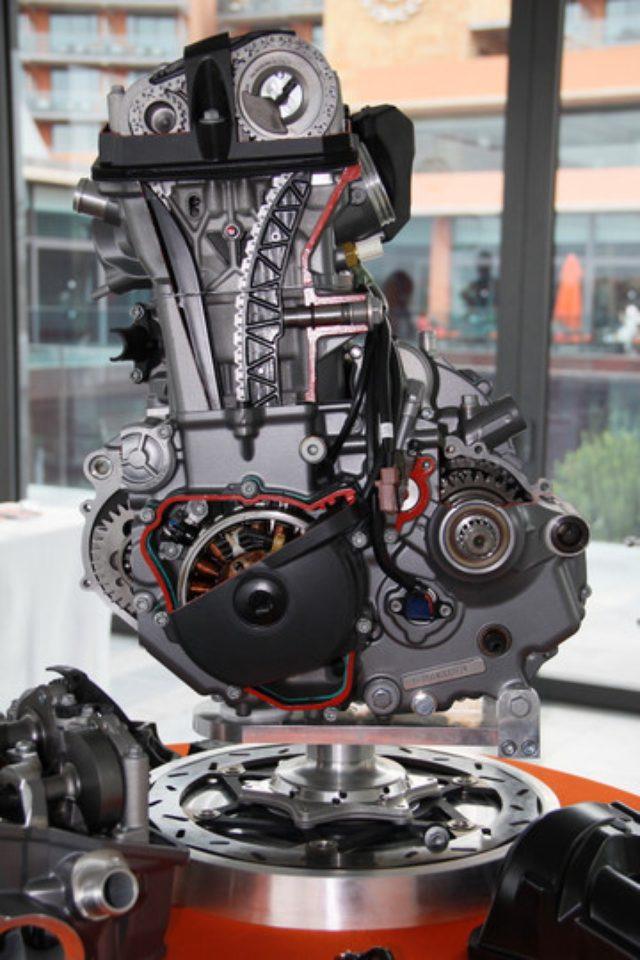 画像: KTM690Duke が新エンジンを搭載してリニューアル!(宮崎敬一郎)