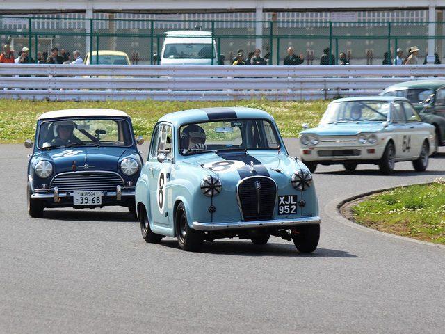 画像: 袖ヶ浦フォレストレースウェイは、インフィールドがパドックに近いので、近い視点で車両の走りを楽しめるのも嬉しいです。 ecossecars.jp