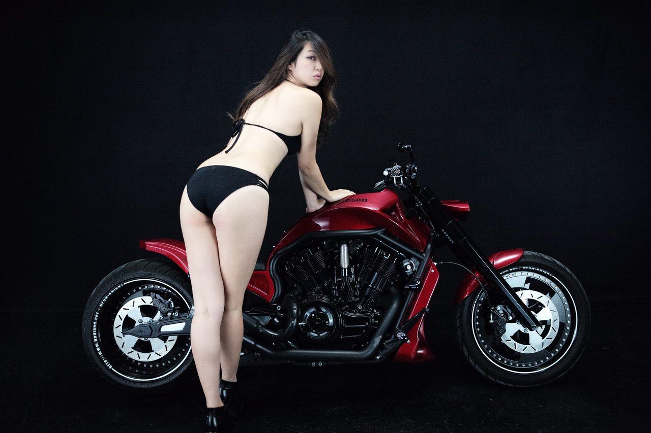 画像2: 【特別グラビア企画】美女と野獣あるいはカスタムハーレー 020 by LAWRENCE x BADLAND
