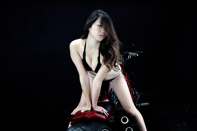 画像2: 【特別グラビア企画】美女と野獣あるいはカスタムハーレー 026 by LAWRENCE x BADLAND