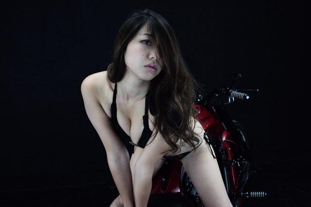 画像2: 【特別グラビア企画】美女と野獣あるいはカスタムハーレー 027 by LAWRENCE x BADLAND