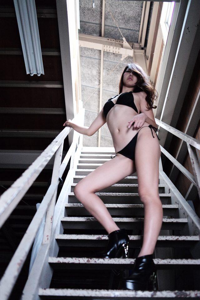 画像3: 【特別グラビア企画】美女と野獣あるいはカスタムハーレー 032 by LAWRENCE x BADLAND(最終回)
