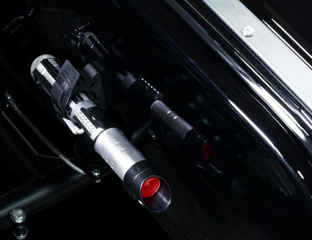 画像: こ、これは!ライトセーバー! Lightsaber®, LED lighting, and fully blacked out to hide you in the shadows. imz-ural.com