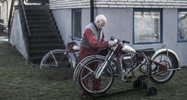 画像: オーレさんのバイクは、いずれもオーレさん自身の手でカスタマイズされています。いわば彼のためにしつらえた、オーダーメードの逸品と言えるのでしょう。 dv5lc0nz60nfv.cloudfront.net