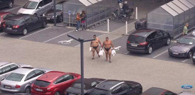 画像2: フォードのCM。お相撲さんむちゃぶりしすぎ〜〜!
