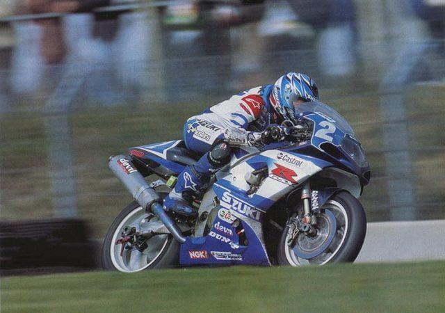 画像: 2002年のル・マン24時間耐久で勝利に向けて走るバイル。チームはSERTでした。 www.jeanmichelbayle.fr