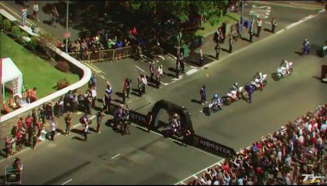 画像: タイムトライアル方式のTTは、1台1台順番にスタートする方式です。 www.youtube.com