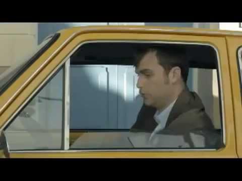 画像: 海外のおもしろいCM 新車が欲しい 古い車に最新装備? youtu.be