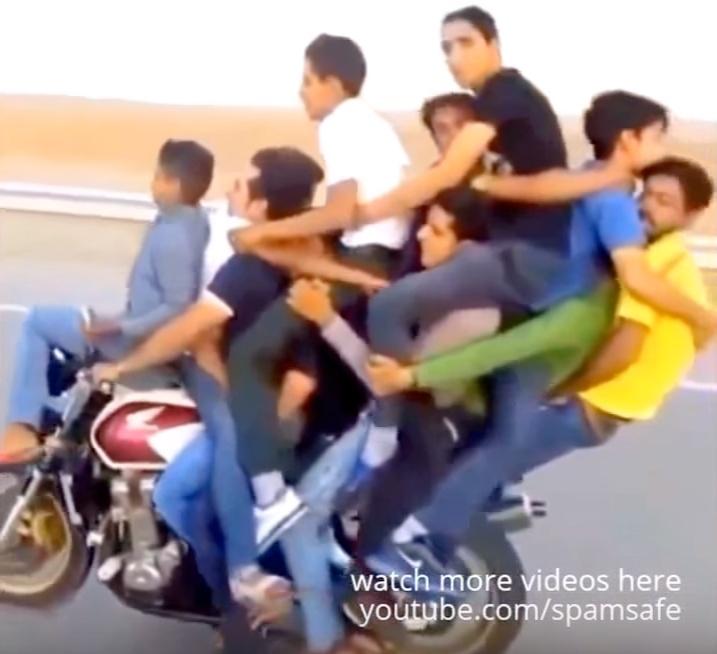 【奈良バイク事故】10〜20代の男女8人搬送うち6人死亡1人意識不明  奈良市八条国道24号線の高架橋   ★3 YouTube動画>2本 ->画像>54枚