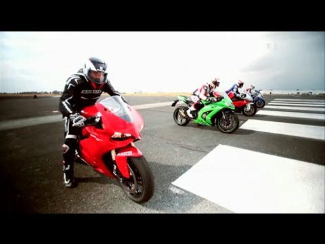 画像: Kawasaki ZX10R vs Suzuki GSX-R1000 vs BMW S1000RR vs Ducati 1199 Panigale youtu.be