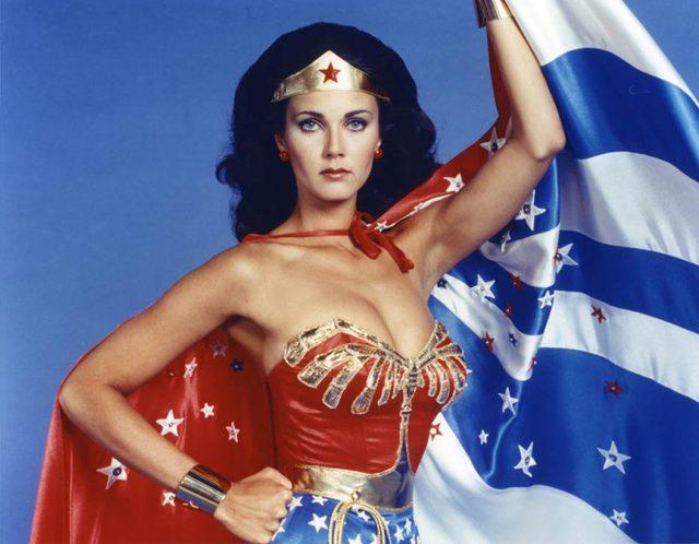画像: 1975〜1979年に放映されたTVドラマ版「ワンダーウーマン」。演じるのは元ミス・アメリカ代表のリンダ・カーターです。 spinoff.comicbookresources.com