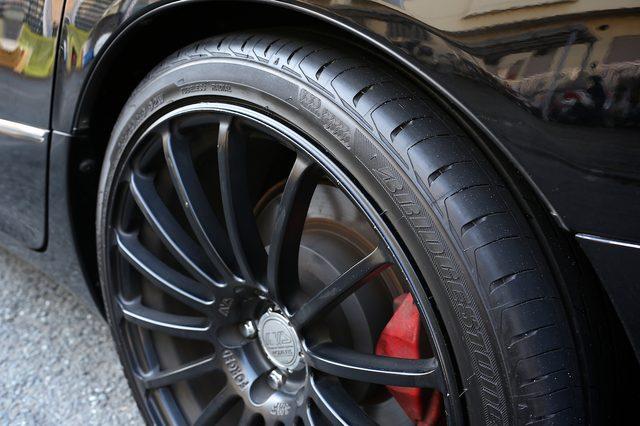 画像1: 命名... [ ND-9 ] !! 昨年来よりご案内をさせて戴いております、ハイブリット・タイヤコーティング・システムの続報をお届けさせて戴きます。写真にございます3台の車に、このこのタイヤコート用の塗料.... www.so-bad-review.com