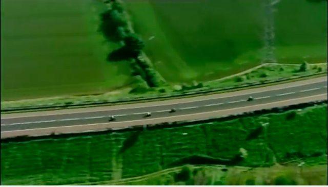 画像: ヘリコプター空撮のシーンが多く、北アイルランドのランドスケープも楽しめます。 www.youtube.com