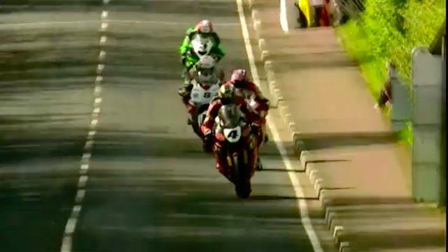 画像: 前から順に、J.マクギネス、S.プレーター、G.マーティン、M.ラッター。TT現役最多勝のJ.マクギネスはノースウェストは6勝を記録。S.プレーターは7勝、M.ラッターは13勝を誇ります。なお現時点でのノースウェスト200の最多勝利数は、偉大なロバート・ダンロップとアラスター・シーリーの15勝です。 www.youtube.com