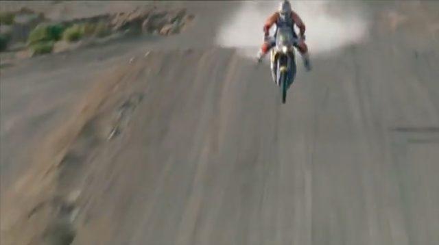 画像: ハイスピードでのジャンプは、ハラハラする極上のスペクタクルです! www.youtube.com