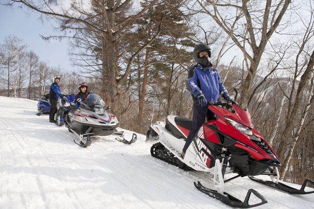 画像4: 雪上バイクのような印象を持っていたスノーモビルの異次元の走りに大興奮[樹林ツアー編]