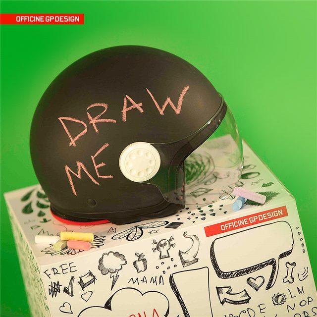 画像: スペシャルヘルメットもクール。 www.officinegpdesign.it