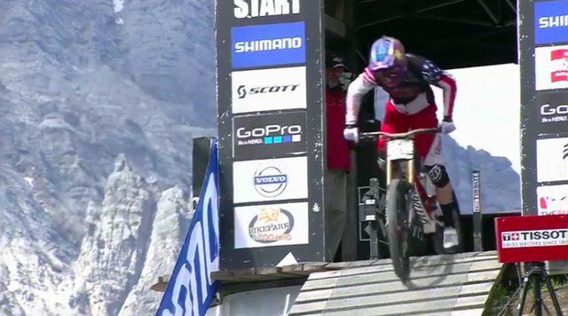 画像: 2008年からダウンヒルに本格参戦をスタートさせたアーロン・グウィンは、UCIマウンテンバイク・ワールド・カップで何度も勝利している達人中の達人です! www.pinkbike.com