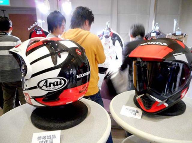 画像: 新型? イベントで気になるヘルメットを発見??
