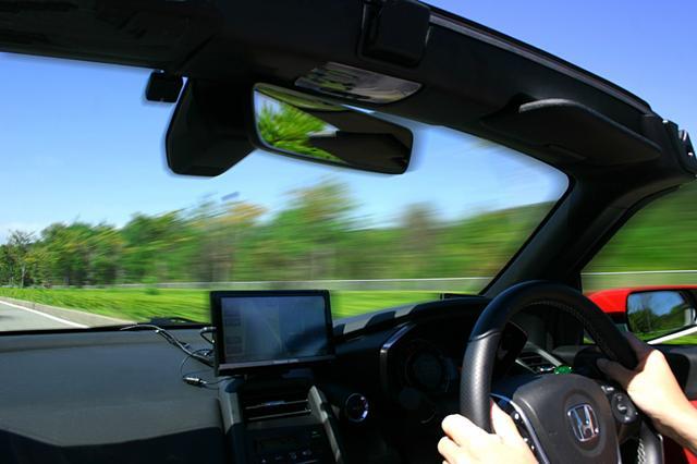 画像1: 【妄想ドライブw】もしも新車を買ったら。一番最初にどんな女の子を助手席に乗せたい??