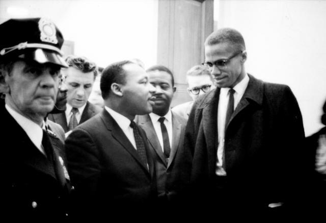 画像: マーティン・ルーサー・キング・ジュニア((Martin Luther King, Jr., 1929年1月15日 - 1968年4月4日))(左)とマルコムX(右) ja.wikipedia.org