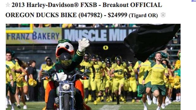 画像: You can buy the Oregon Duck's custom motorcycle on Craigslist