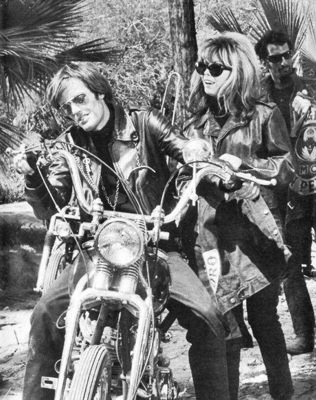 """画像: ピーター・フォンダ出演の""""The Wild Angels""""は、私の敬愛するロジャー・コーマン監督作品。この映画がなかったら、あの""""Easy Rider""""も生まれることはなかった? s-media-cache-ak0.pinimg.com"""